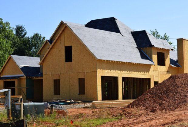 Planujesz budowę domu Od czego zacząć Pozwolenia, kredyt...