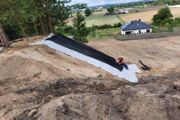 Geowłóknina i geosyntetyki – zastosowanie w robotach ziemnych